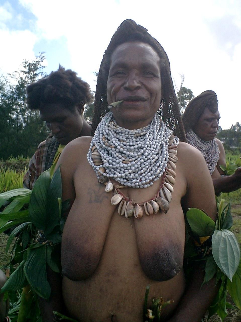 Страница 1 Фотографии обнаженных девушек, красивые большие груди, фото…