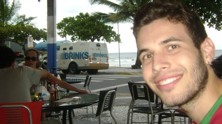 NO FUNDO TUDO É BRINKS kkk quem entendeu me add wescley_jogabonito@hotpot.com (fala a verdade eu to parecendo aquele cara que aparece no MORTAL KOMBAT no canto da tela falando WHOOOPI kkkk)